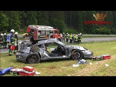 Crash mit Porsche GT3 forderte zwei Schwerverletzte (Freudenberg/NRW)
