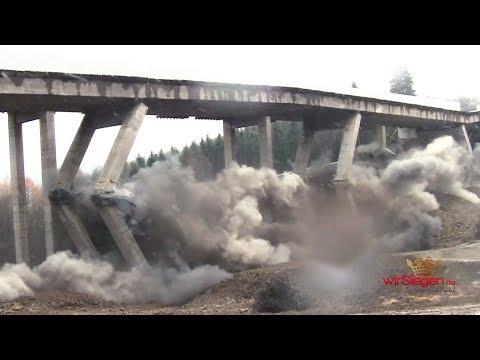 Nordhälfte der Talbrücke Rälsbach erfolgreich gesprengt (Wilnsdorf/NRW)