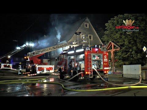 Nächtlicher Wohnhausbrand in Meggen - Gebäude unbewohnbar
