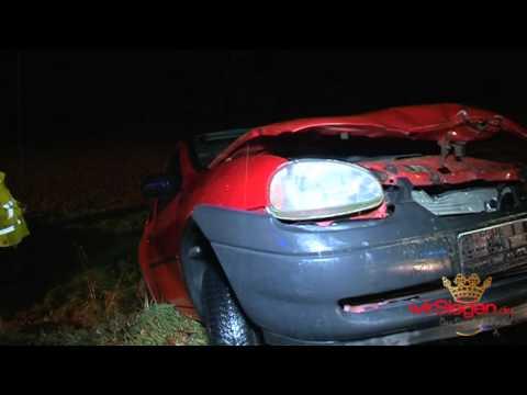Nach Zusammenstoß im Straßengraben gelandet – Fahrer schwer verletzt