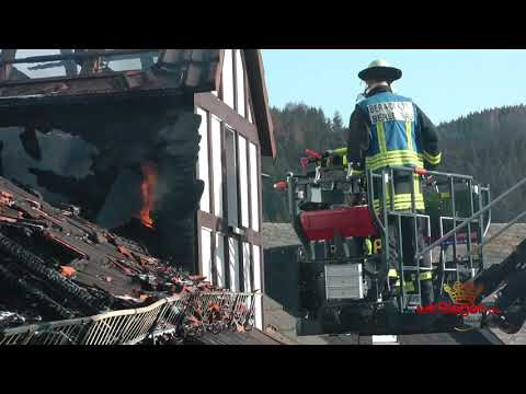 Bad Berleburg - Arfelder Berg: Fachwerkhaus wird Raub der Flammen