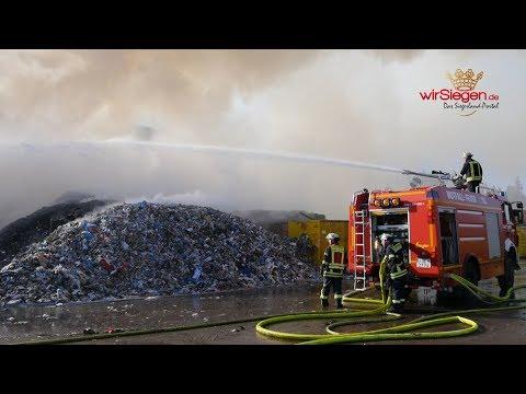 Großbrand auf Recyclinghof in Olpe-Griesemert (Olpe/NRW)