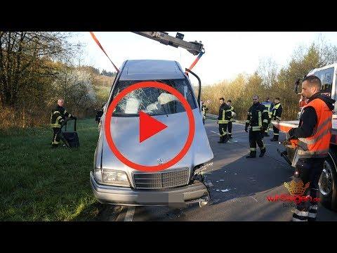 Unfall bei Überholvorgang: Vier Verletzte und 100000 Euro Schaden