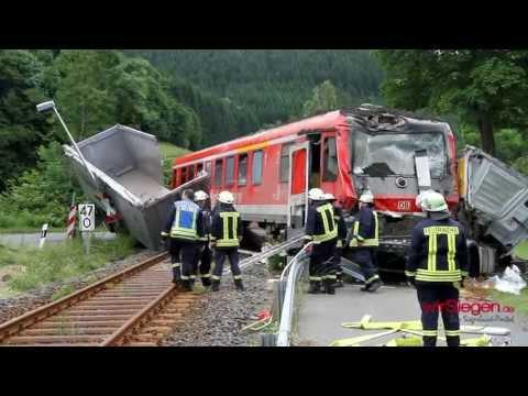 Schweres Zugunglück in Saßmannshausen - Bad Laasphe - 32 Verletzte