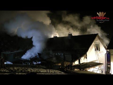 Nächtlicher Wohnhausbrand in Nenkersdorf fordert hohen Sachschaden (Netphen/NRW)
