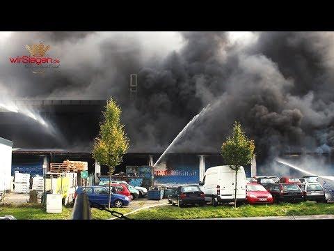 Großbrand in Siegen! Über 200 Feuerwehrleute im Einsatz (Siegen/NRW)