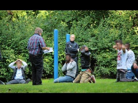 Großrazzia der Polizei im Siegener Oranienpark: 30 Personen festgesetzt (Siegen/NRW)
