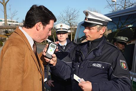Die Polizei kennt kein Pardon für Alkoholsünder | Foto: Achiv Polizei NRW