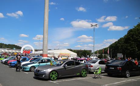 So das Tuning-Treffen im Vorjahr auf dem Parkplatz des real-Markts in Eiserfeld aus. Archiv-Foto: wirSiegen.de