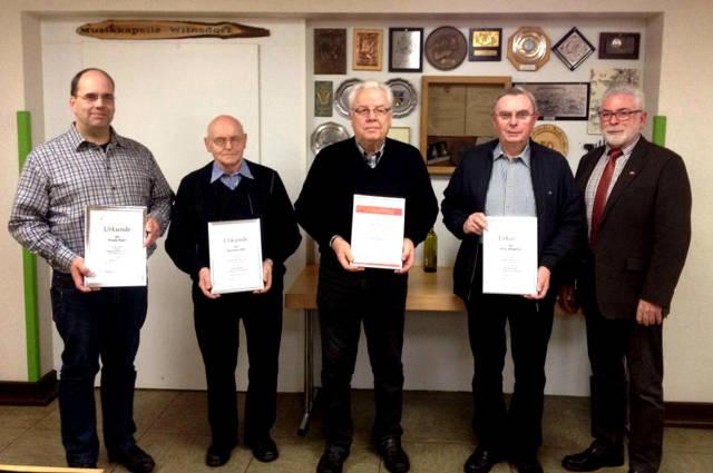 v.l.n.r.: Frank Petri, Gerhard Otto, Werner Kreuz, Arthur Wagener, Theo Sting (Foto: Verein)