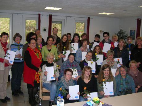 Mit Erfolg schlossen die Helferinnen die Qualifizierungsmaßnahme ab. Foto: Senioren-Service-Stelle