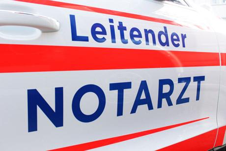 2016-03-10_Siegen_Übergabe_Einsatzfahrzeuge_Feuerwehr_Notarzt_(c)_Mg (40)
