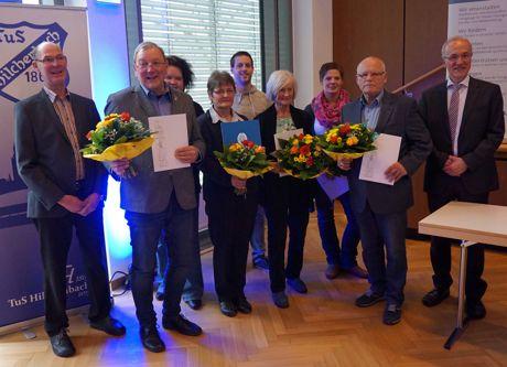 Da war noch alles harmonisch: Diese Mitglieder wurden für ihre Verdienste im Siegerland Turngau geehrt. Foto: J. Scheel/Turngau