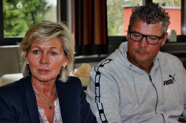 2016-03-30_Kreuztal_25 Jahre Golfclub Siegerland_Neid und Dickel_Foto_Hercher_01