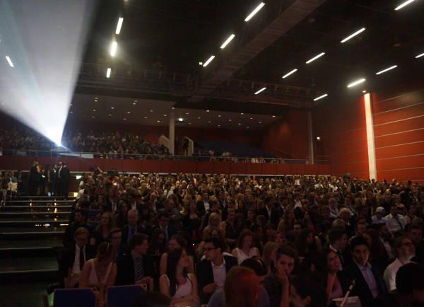 Mit 2000 Zuschauern war die Siegerlandhalle ausverkauft.