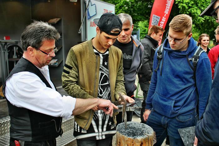 2016-06-01_Siegen_Siegerlandhalle_Ausbildungsmesse_Foto_Hercher_50