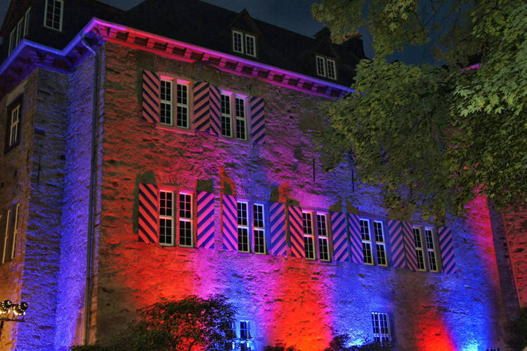 2016-08-04_Siegen_Brunnenwiese Oberes Schloss_KGB Kunst gegen Bares_Foto_Hercher_034