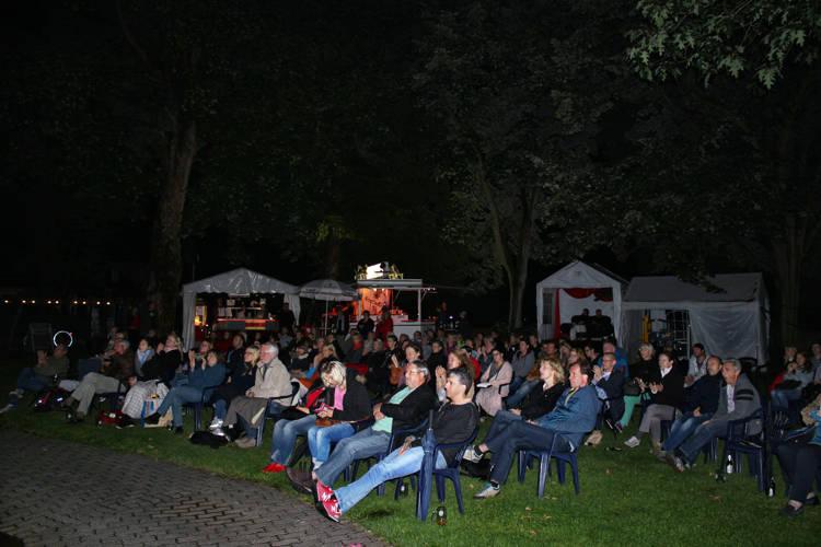 2016-08-04_Siegen_Brunnenwiese Oberes Schloss_KGB Kunst gegen Bares_Foto_Hercher_066