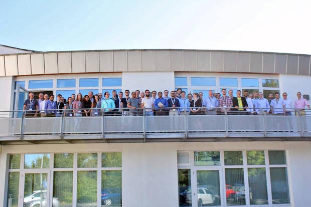 """Experten und Nachwuchswissenschaftler aus ganz NRW haben sich an der Uni Siegen über so genannte """"2D-Materialien"""" ausgetauscht. (Fotos: Universität Siegen)"""