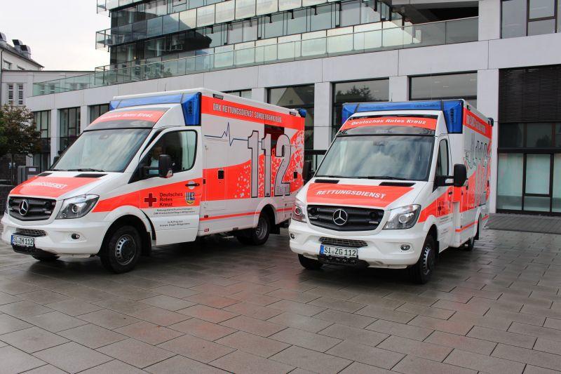 2016-10-11_siegen_neue_rettungswagen_baby_schwerlastmobil-6