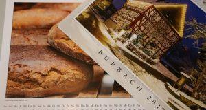 Der neue Kalender mit Burbacher Motiven ist ab sofort unter anderem im Bürgerbüro erhältlich. (Foto: Gemeinde Burbach)