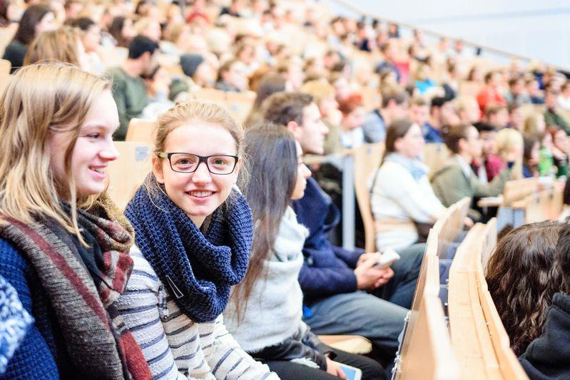 2016-10-15_siegen_universitaet_erstsemester_c_uni