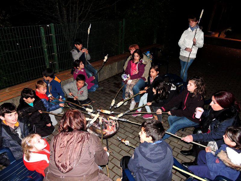 Stockbrot und Gruselgeschichten am Lagerfeuer (Foto: Stadt Siegen)