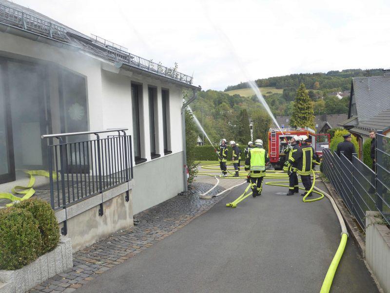 Brandbekämpfung am Gemeindehaus