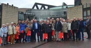 :  Im Landtag NRW begrüßte Falk Heinrichs (SPD-MdL) jetzt u.a. Mitglieder des Bürgerbusvereins und der Feuerwehr aus Erndtebrück.