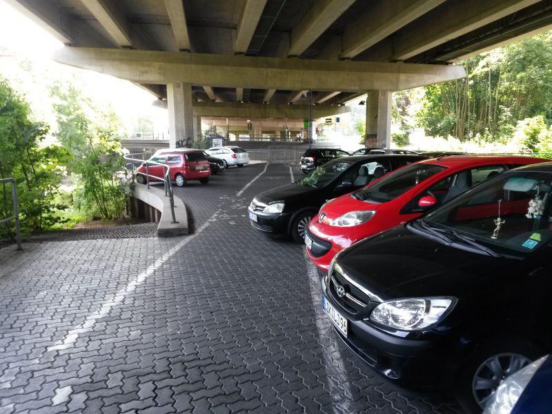 Rücksichtsloses Parken auf Radwegen wird vom ADFC angeprangert