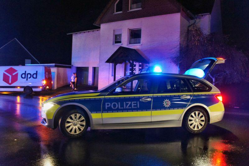 2016-11-06_wilnsdorf-wilden_pkw-erfasst-fussgaengerin_foto_hercher_06