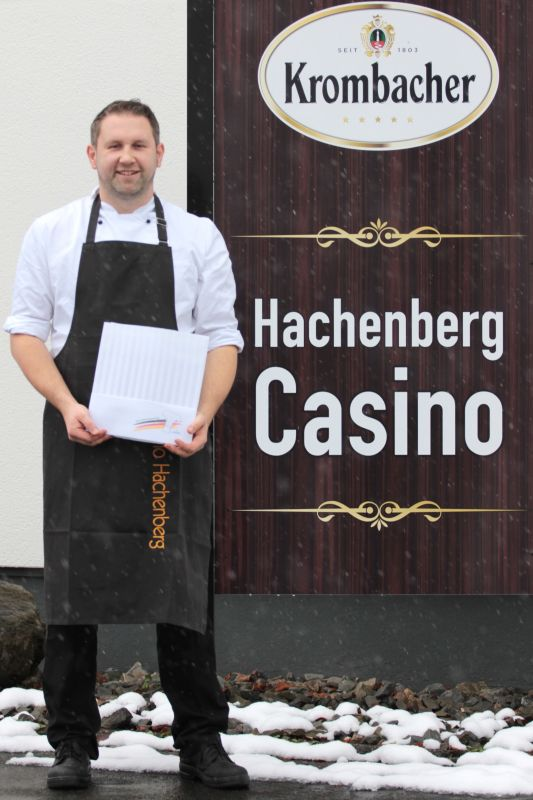 Stabsgefreiter Länder, Mitglied der Koch-Nationalmannschaft der Bundeswehr, kocht auch im Hachenberg Casino auf Topniveau. (Fotos: Joshua Breit)
