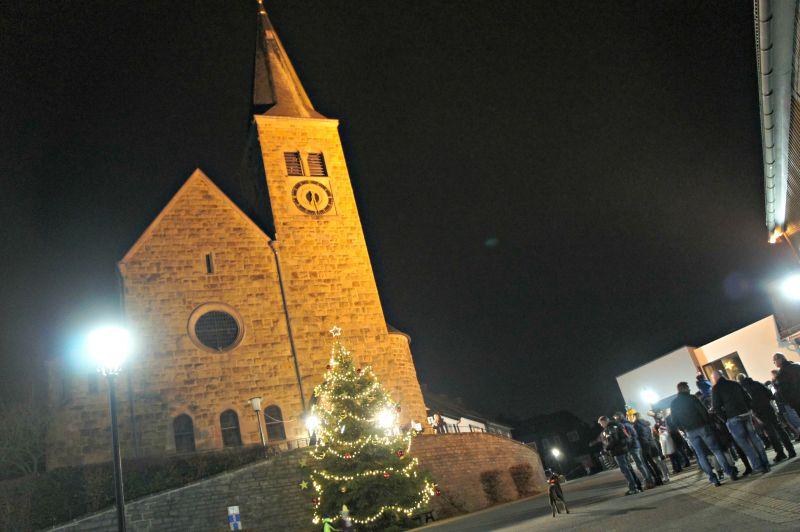 2016-11-26_wilnsdorf_nikolaus-in-der-kirchenecke_foto_hercher_01