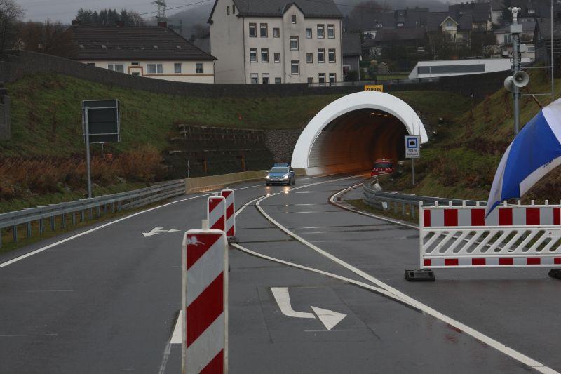2016-12-02_siegen_niederschelden_hts_tunneleroeffnung_c_mg-27