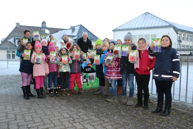Burbachs Bürgermeister Christoph Ewers lobte die künstlerischen Talente der Kinder.