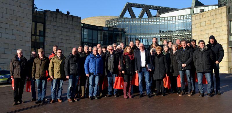 Im Landtag NRW begrüßte Falk Heinrichs (SPD-MdL) u.a. Mitglieder der Gewerkschaft der Polizei und der Feuerwehren aus dem Kreis Siegen-Wittgenstein. (Foto: privat)