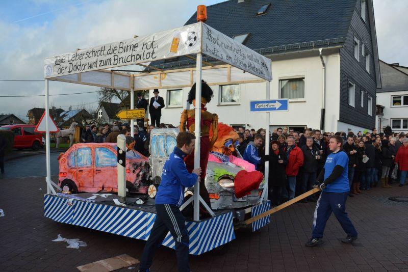 2016-12-27_netphen-salchendorf_wurstekommission-salchendorf-veranstaltet-silvesterumzug_foto_privat_02