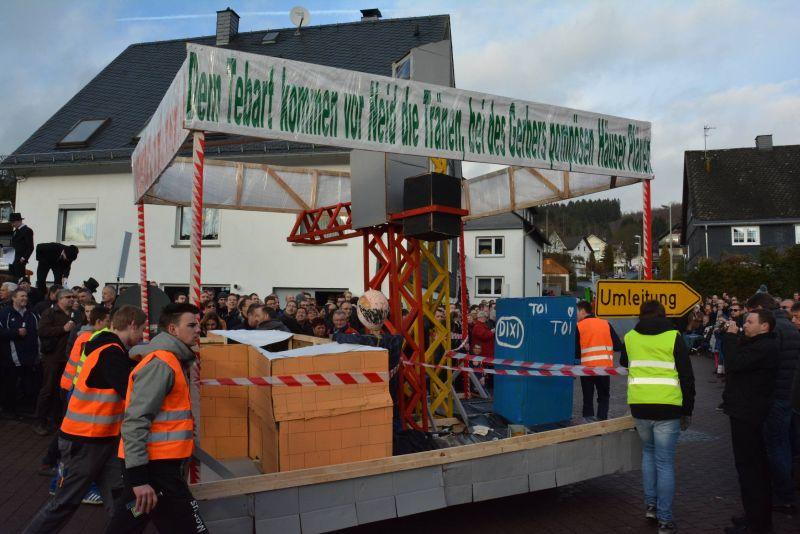 2016-12-27_netphen-salchendorf_wurstekommission-salchendorf-veranstaltet-silvesterumzug_foto_privat_03