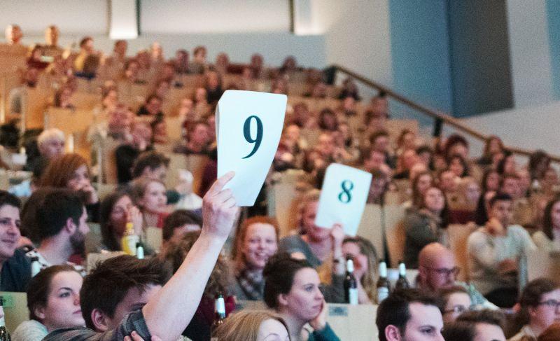 Die Jury im Publikum bewertete die Auftritte der PoetInnen.