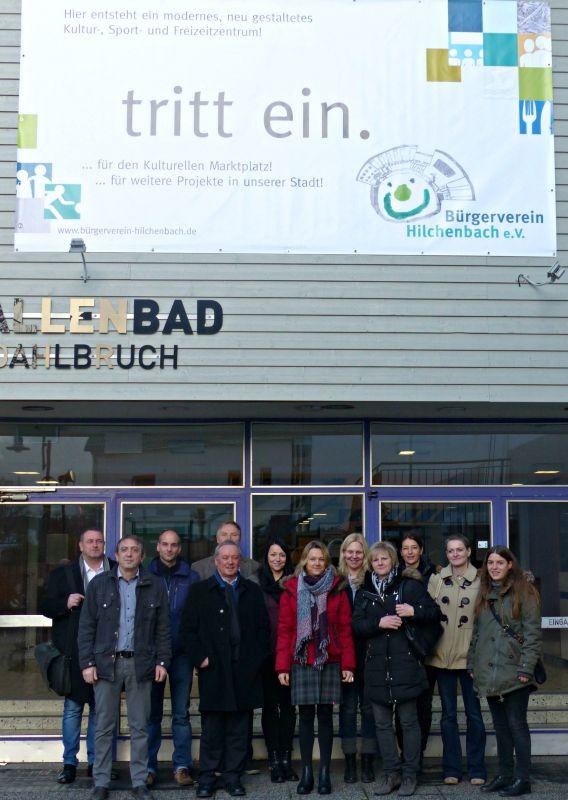 """Wirtschaftsförderer informieren sich über das Projekt """"Kultureller Marktplatz"""" (Foto: Stadt Hilchenbach)"""