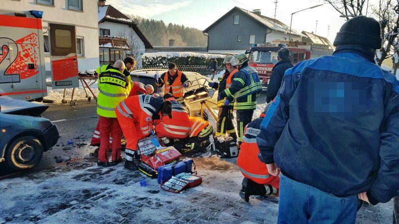 2017-01-18_Oberholzklau Langenholdinghausen_VUP_Fußgänger schwerverletzt_Foto_mg_4