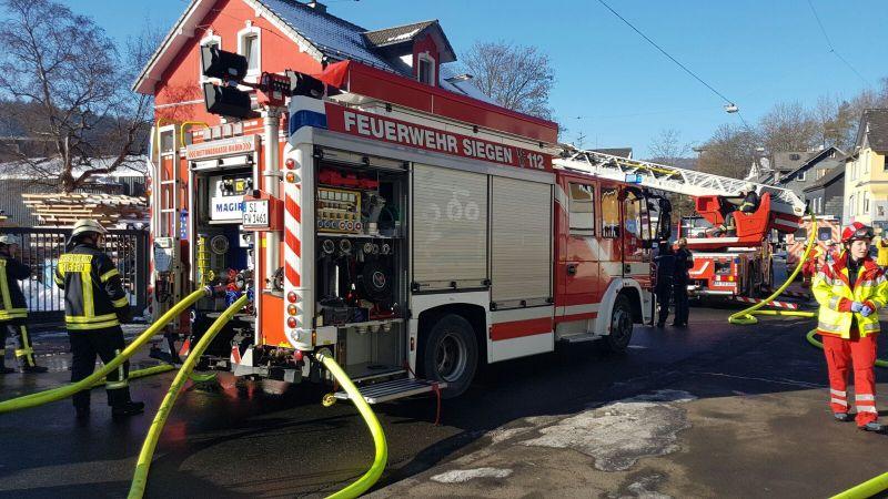 2017-01-21_Siegen_Eiserfelderstraße_Feu4_Zimmerbrand_(c)_Mg (13)