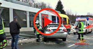 2017-01-31_Erndtebrück_Zug kollisiert mit Pkw_wirSiegen_Screenshot