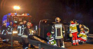 Schwerer Verkehrsunfall mit eingeklemmter Person (Foto: Feuerwehr)