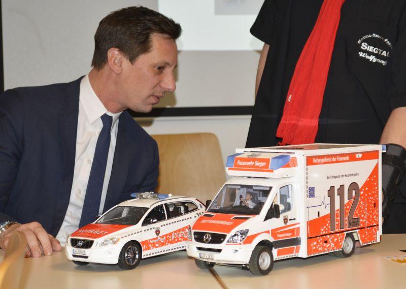 Landrat Müller zeigte sich sehr interessiert.