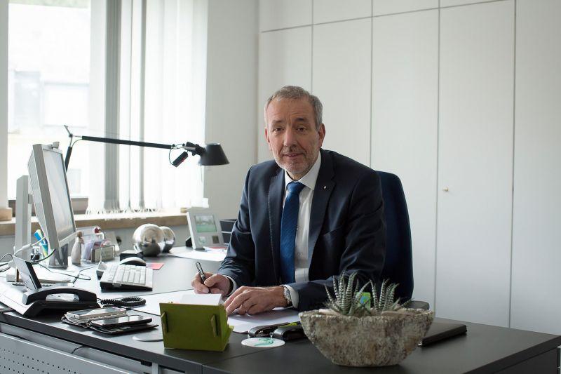 frank schmidt ist neuer chef der agentur f r arbeit siegen. Black Bedroom Furniture Sets. Home Design Ideas