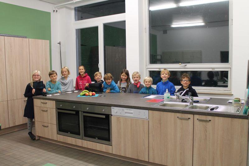 Schulküche | Eiserner Grundschulkinder Freuen Sich Uber Eine Neue Schulkuche